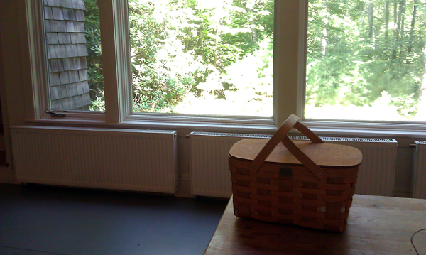 (No MacDowell Colony blog post is complete without mention of the lunches... delicious lunches... that they deliver to your door each day in a picnic basket.)