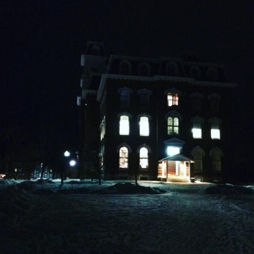 CollegeHall_600